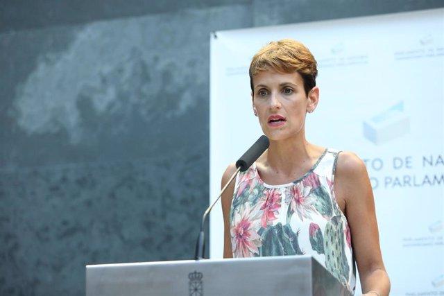 La secretaria general del PSN y candidata del partido a la Presidencia de Navarra, María Chivite, interviene tras ser investida presidenta del Gobierno de Navarra en el Parlamento foral.
