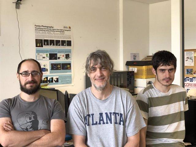 Los investigadores Adrián Jarabo, Diego Gutiérrez e Ibón Guillén.