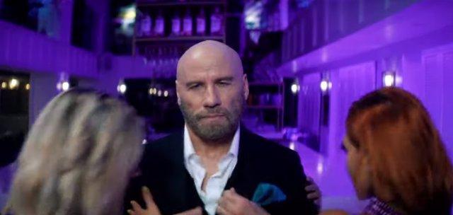 John Travolta en el nuevo videoclip de Pitbull