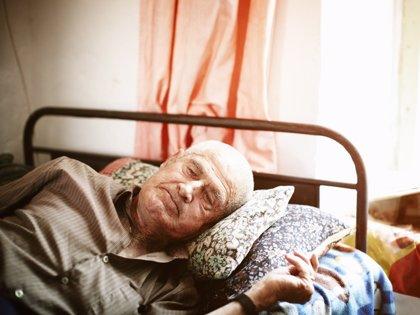Estos son los efectos de la soledad en la salud de los mayores