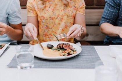 Relacionan los trastornos de la alimentación adolescente con los hábitos alimenticios de la primera infancia