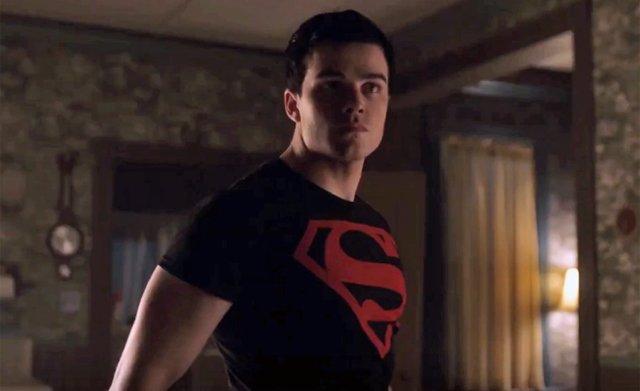 Superboy en Titans 2