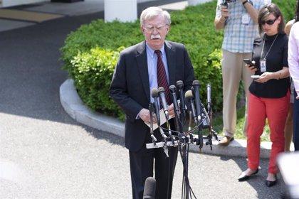 """Venezuela.- Bolton dice que las sanciones de EEUU contra Venezuela buscan """"ahogar financieramente"""" a Maduro"""