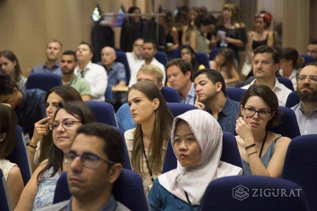Alumnos de 43 nacionalidades participan en la Zigurat Student We