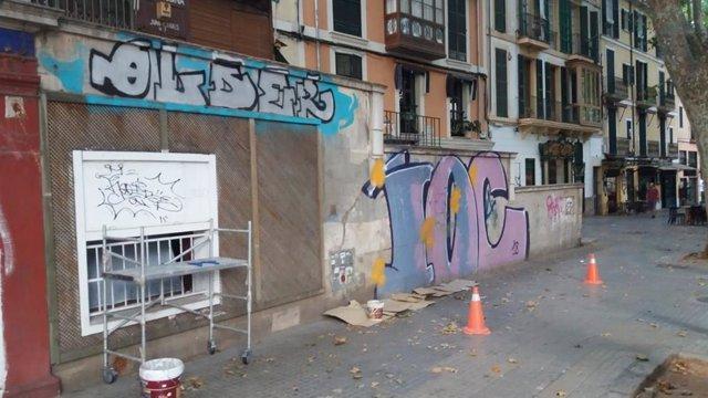 Emaya continúa con el Plan de choque contra las pintadas vandálicas en Palma