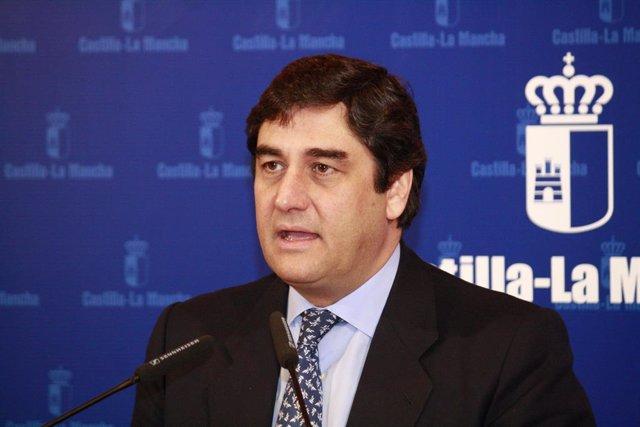 El consejero de Sanidad y Asuntos Sociales, José Ignacio Echániz