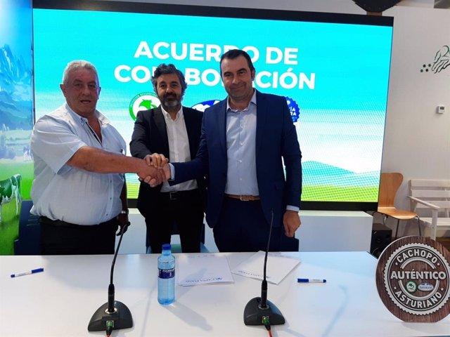 Firma del convenio entre Central Lechera Asturiana e IGP Ternera Asturiana