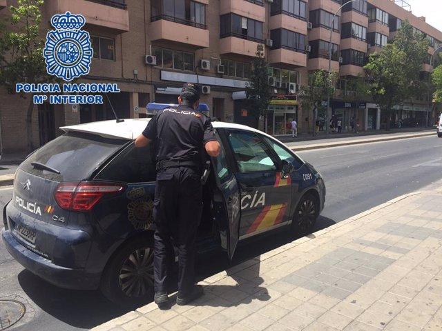 Policía Nacional en un acto de servicio