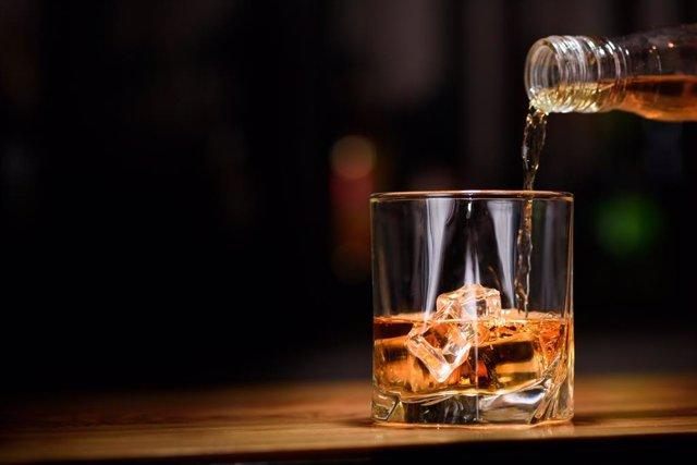 Costear con las sanciones por venta de alcohol a menores es una nueva idea para luchar contra el consumo de alcohol en adolescentes.