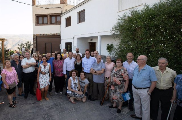 Acto de inauguración del albergue municipal de Beires