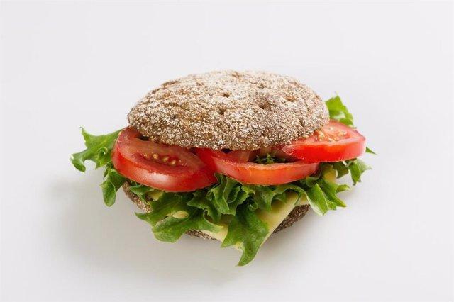 La masa madre de centeno utilizada para la cocción del pan de centeno es rica en bacterias lácticas.