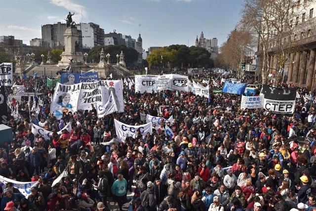 Manifestación en Buenos Aires contra las políticas de ajuste del Gobierno de Argentina