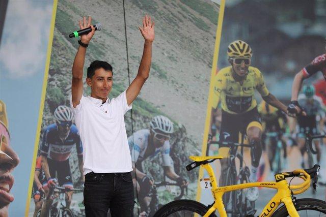 El campeón del Tour recibe el homenaje de Zipaquirá