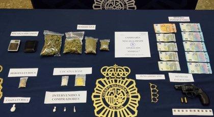 Tres detenidos al desmantelarse un narcopiso en la zona de Arroyo de los Ángeles de Málaga capital