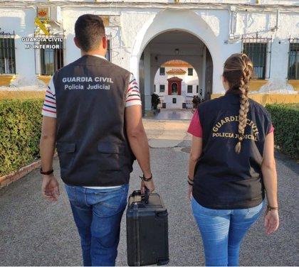 Detenido en Sevilla el presunto autor de varios robos con fuerza en un complejo hotelero de Isla Cristina (Huelva)