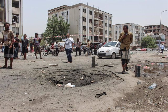Ataque contra un desfile militar en Adén
