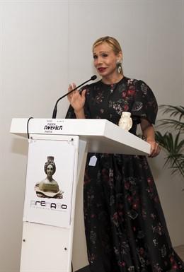 La comunicadora de moda Helena Ramírez, galardonada con un Prenamo por la producción y presentación eventos