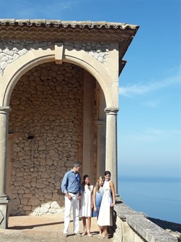 Los Reyes y sus hijas visitan Son Marroig.