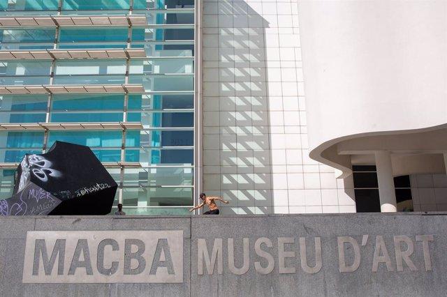Plaza del Museu d'Art Contemporani de Barcelona (arxiu)