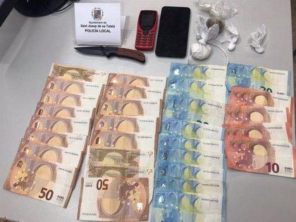 Successos.- Detingut a Platja d'en Bossa (Eivissa) amb cocaïna i marihuana