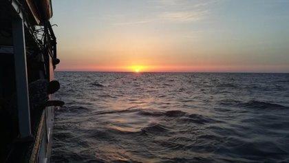 "Open Arms urge ""un puerto seguro ya"" tras siete días a bordo con 121 migrantes"
