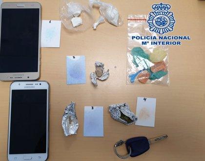 Tres detenidos en Granada tras ser sorprendidos con droga en una furgoneta en que viajaban con una bebé