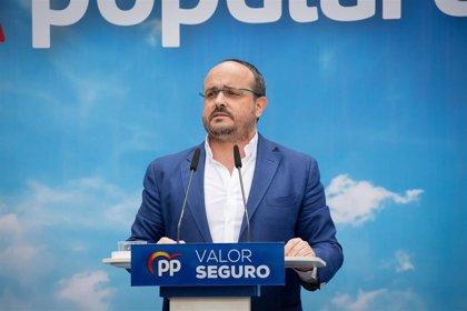 """El líder del PP catalán tacha a Sánchez de """"vanidoso incorregible"""" por hacer esperar al Rey"""