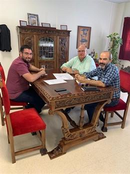 Gonzálvez reunido con el alcalde de Tabernas, José Díaz