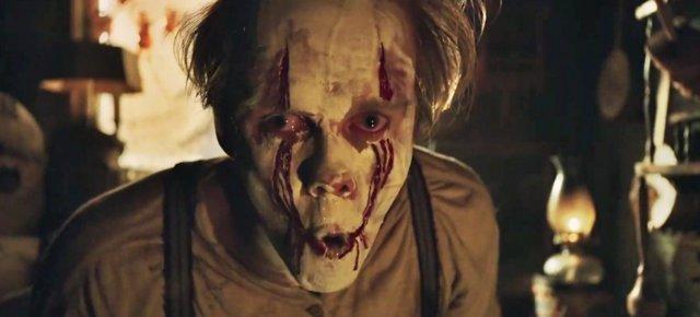 Bill Skarsgard como Pennywise en el tráiler de It: Capítulo 2
