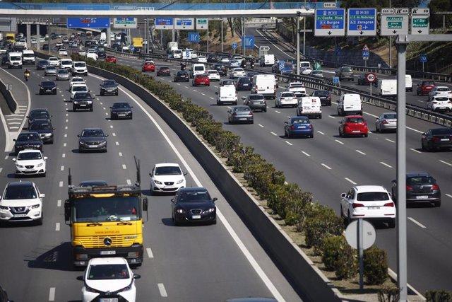 Tráfico en una de las carreteras que rodean Madrid.
