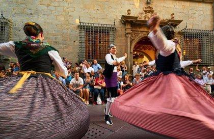 La obra 'Vuelos', de Ignacio Ferrando, gana el Concurso de Fotografía del Festival Folklórico de los Pirineos