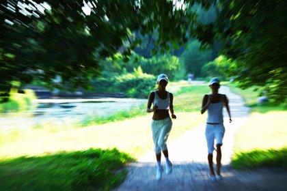 Estos síntomas tras correr en verano podrían ser una alerta de tu corazón
