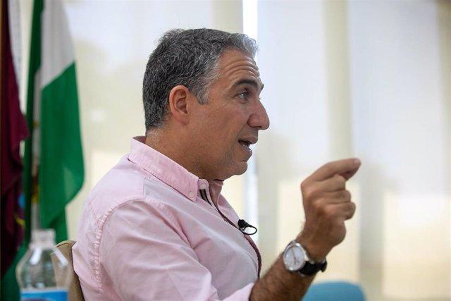 El  consejero de la Presidencia, Administración Pública e Interior y portavoz del Ejecutivo andaluz, Elías Bendodo, durante su entrevista con Europa Press.