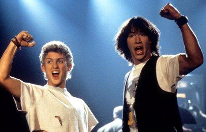 Keanu Reeves, irreconocible y extremo en la secuela de Bill & Ted