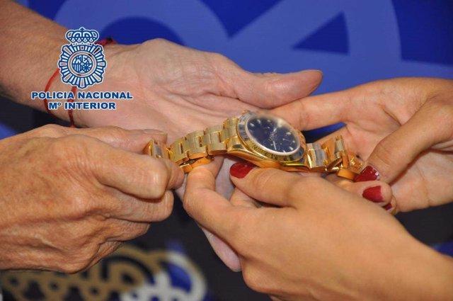 Reloj robado a través de los 'hurtos amorosos'