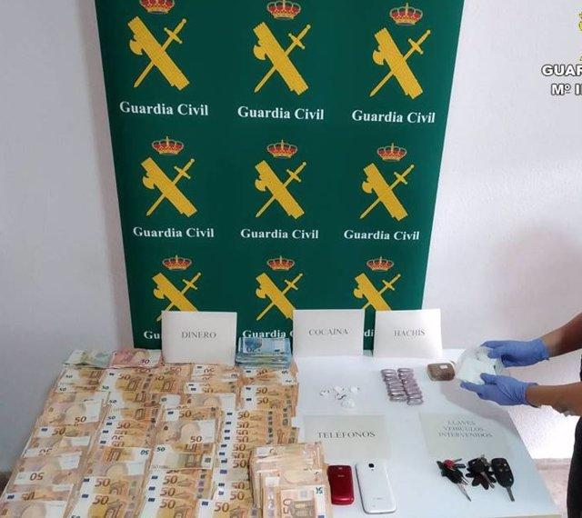 Dinero y drogas localizadas en el operativo de Torrevieja.