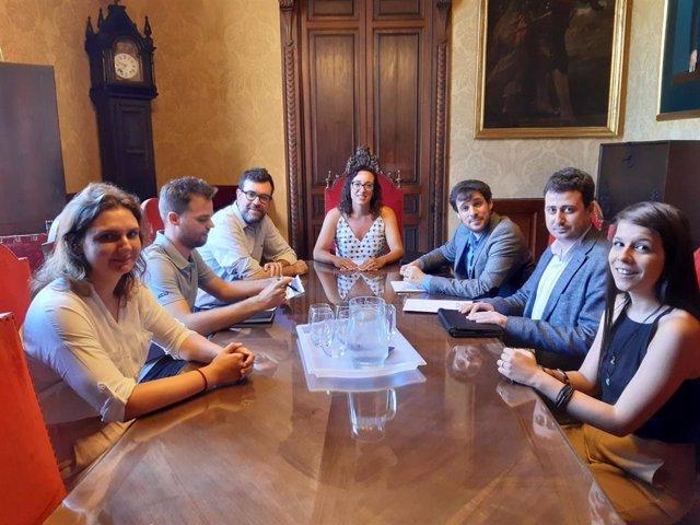 Reunión de representantes de Red Española de Inmigración y la Coordinadora de las Universidades Públicas CREUP y Cort