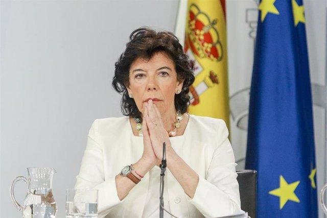 La ministra portavoz del Gobierno en funciones, Isabel Celaá, comparece ante los medios de comunicación tras la reunión del Consejo de Ministros en Moncloa.