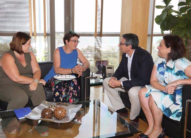 El presidente de Diputación se reúne con alcaldesa de Atajate