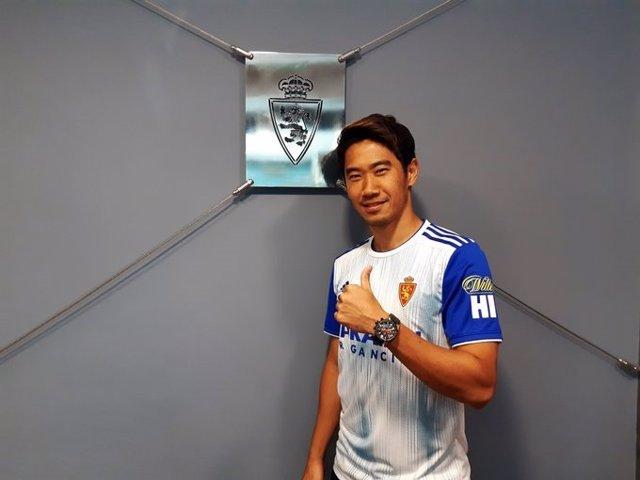 El centrocampista japonés Shinji Kagawa jugará en el Real Zaragoza las dos próximas temporadas