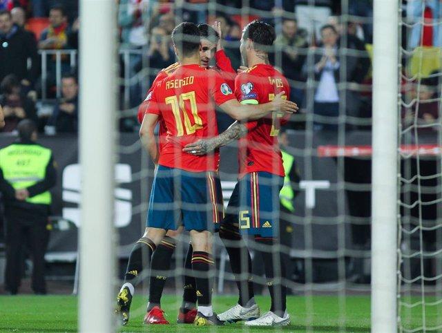 Sergio Ramos, Morata y Asensio celebran un gol de la selección española de fútbol ante Noruega