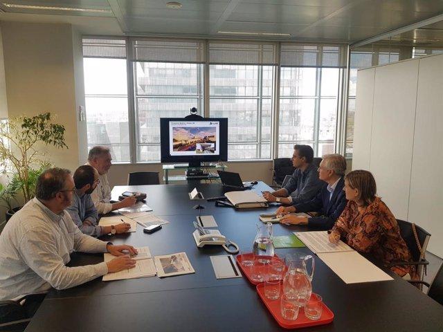 Reunión de la alcaldesa de Camargo y su equipo con técnicos de ADIF en Madrid