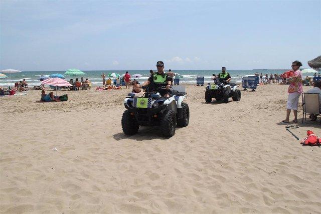 Patrullas de la Policía Local en la playa