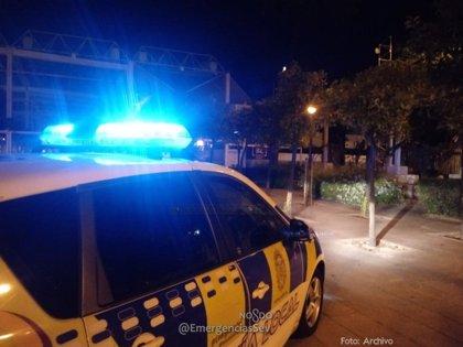 La Policía Local de Sevilla detiene a dos menores por agredircon arma blanca a una mujer