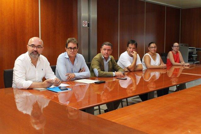 Trobada entre quatre directors insulars del Consell d'Eivissa i el president Vicent Marí.