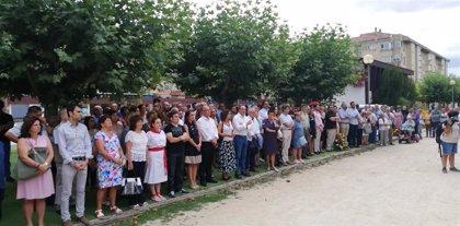 Vecinos, familiares y políticos recuerdan a Francisco Casanova en el aniversario de su asesinato por ETA
