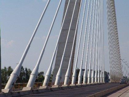Las obras de asfaltado del Puente Real en Badajoz obligan a modificar el tráfico este domingo y el lunes