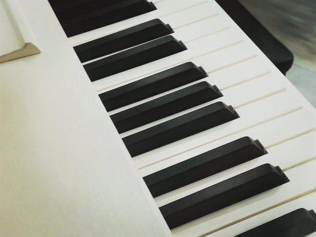 Imagen de archivo de las teclas de un piano.