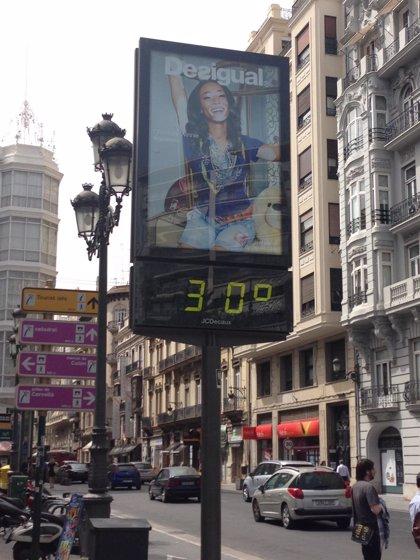 València vive la segunda noche más calurosa de su historia, con temperaturas de 30 grados hasta entrada la madrugada