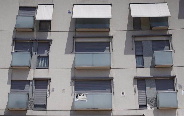 Imagen recurso de pisos de un edificio de Madrid.